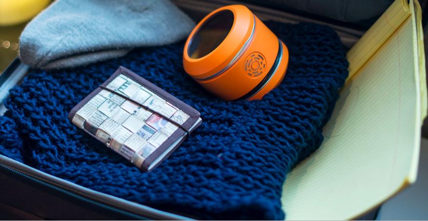 Humavox's design-free wireless charging station